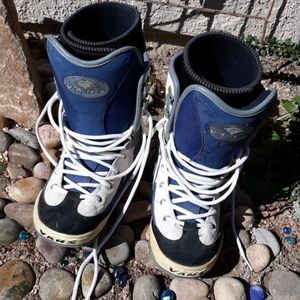 🤑⬇️Vans snowboard boots w7